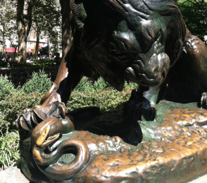 RittenhouseSquare_Serpant_Lion_Bronze_Sculpture